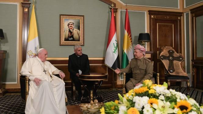 Paus Franciscus bezoekt Mosoel, dat in puin achtergelaten werd door jihadisten