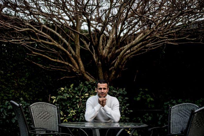 Farid Azarkan in zijn achtertuin in Culemborg