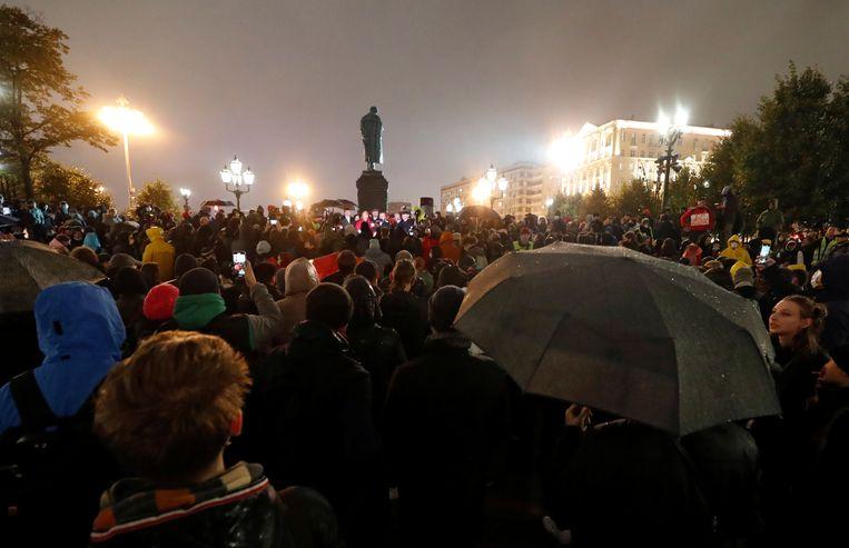 Protest tegen de verkiezingsuitslag in Moskou. Beeld REUTERS