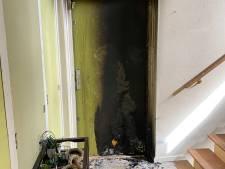 Brandbom veroorzaakt woningbrand in Nieuw-West