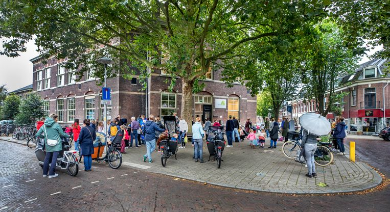 Registering the baby for a white primary school in Utrecht is no longer possible: 'If my child has to go to Kanaleneiland; I wouldn't be happy'