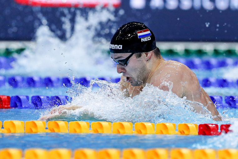 Arno Kamminga finishte op de 100 meter schoolslag op 0,44 seconden als tweede. Beeld Getty Images