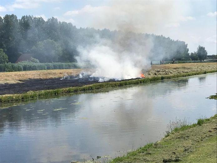 Brand op de Blokweersche Kade in Alblasserdam, in de dorpsmond ook wel bekend als de Ponykade.