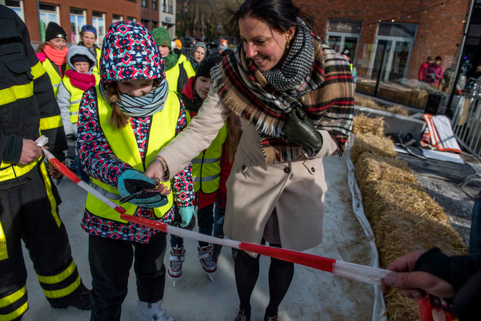 Op 1 maart 2018 opende burgemeester Hanne van Aart samen met Isolde van der Linden het eerste schaatsbaantje op het Anton Pieckplein.