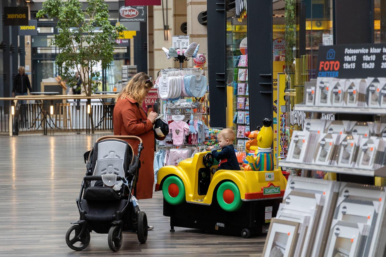Veldhoven ED2021-12153 Overdekt gedeelte van het Citycentrum