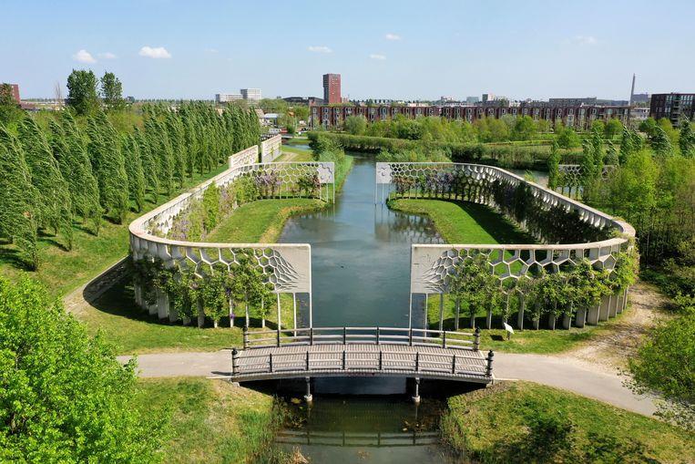 Het Máximapark in Utrecht is feitelijk een complete stad zonder winkels, kantoren en woningen. Beeld West 8
