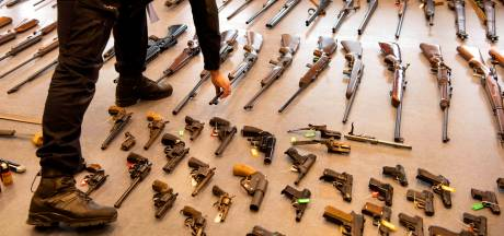 Amsterdammers kunnen begin november zonder straf wapen inleveren
