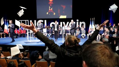 "VIDEO. Studenten verstoren debat met Macron aan Waalse universiteit: ""U bent een leugenaar"""