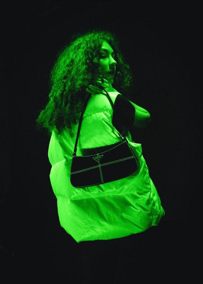 Eén van de outfits uit de videoclip 'GEVOELLOOS' van Rian Snoeks.
