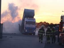 Vrachtwagen vol brandende mestkorrels van weg geplukt bij Son en Breugel