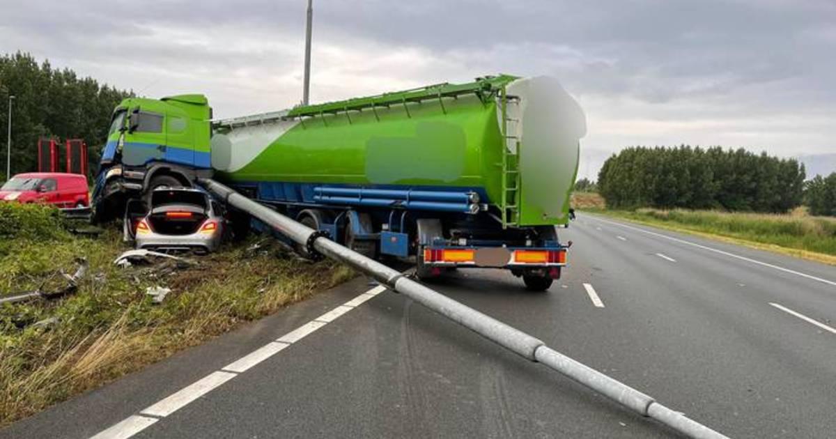 Chaos op de weg door ongelukken, A2 naar Utrecht dicht.