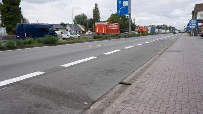 Weyts stelt busbanen van De Lijn ook open voor privébussen en taxi's