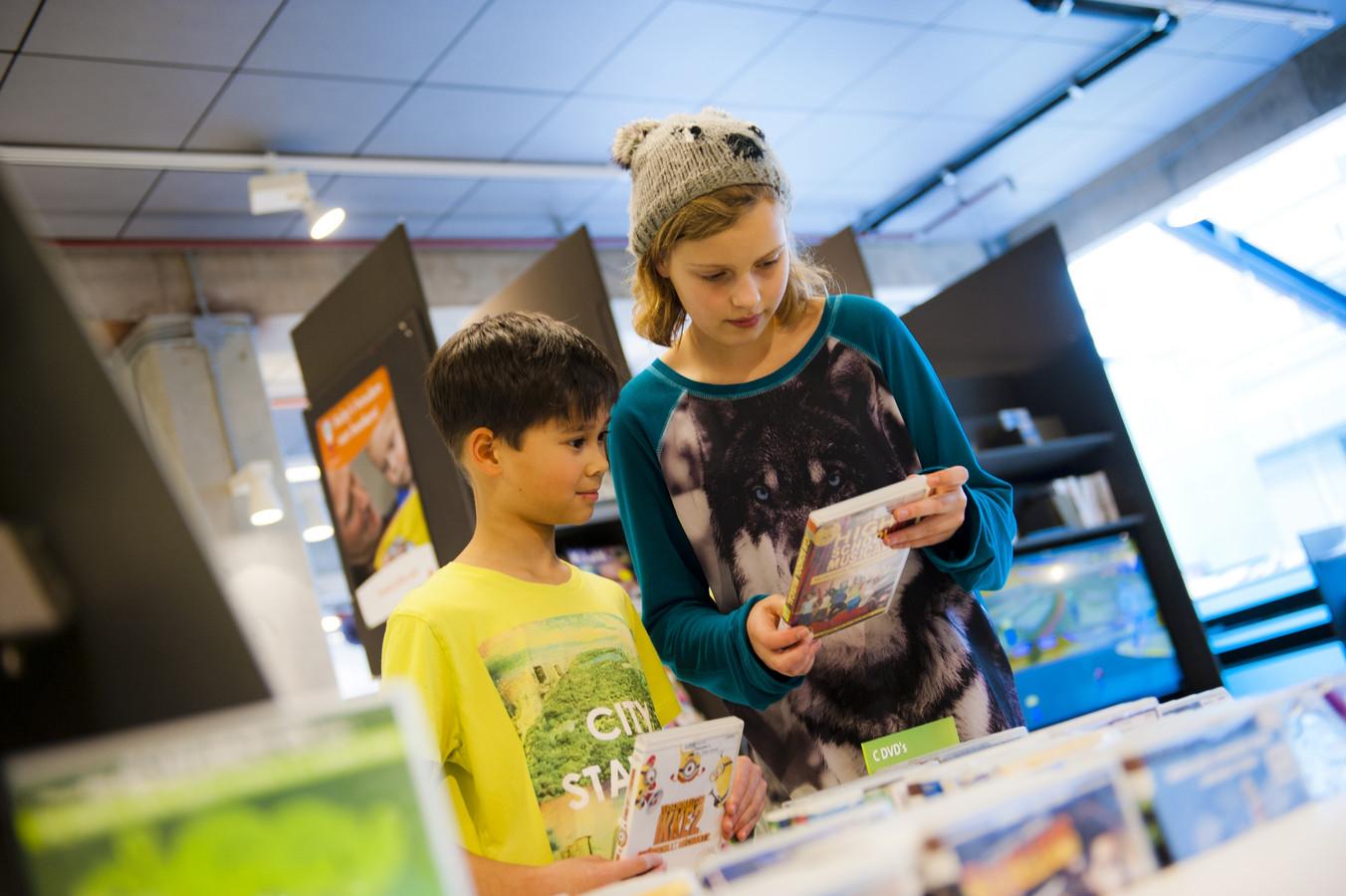 Tijdens de kinderboekenweek staan kinderboeken over vriendschap centraal in de diverse vestigingen van de ZINiN bibliotheek.