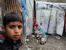 Nederland wil Grieken en hulporganisatie Johnny de Mol forse financiële steun geven voor opvang vluchtelingen