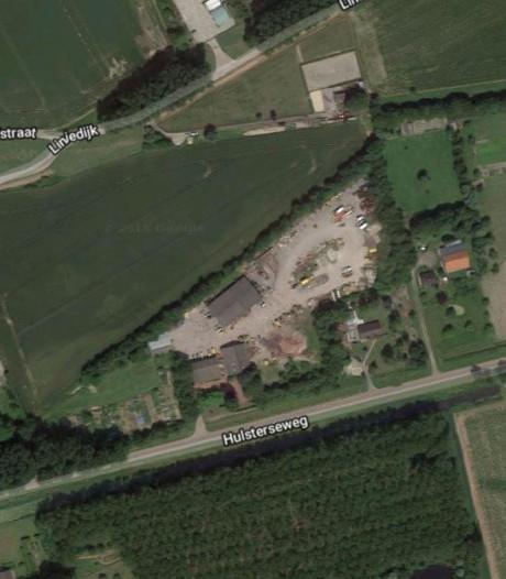 Tien nieuwe huizen aan Hulsterseweg in Axel