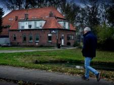 Gymzaal bij bedreigde boerderij in Zwijndrecht wordt nog niet gesloopt
