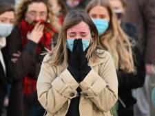 Woede over ingrijpen Britse politie bij wake voor vermoorde Sarah: 'Schaam je!'