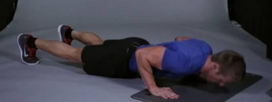 Scott Laidler doet de perfecte push-up voor