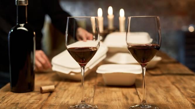 """Binnenlandse Zaken verduidelijkt na felle commotie: """"Restaurants mogen tot 20 uur wel alcohol verkopen bij afhaalmaaltijden"""""""