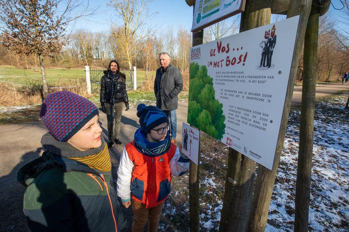 De Theaterwandeling De vos in het bos is terug te vinden op verschillende plaatsen in Vlaanderen en nu dus ook in Lokeren.