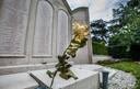 Op de algemene begraafplaats aan de Kerkhoflaan is een klein stukje waar zich een mistroostige militaire begraafplaats bevindt. Hier werden de gesneuvelden van de Slag om Den Haag begraven in een massagraf.