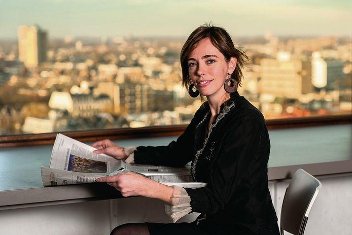 Portret van Sandra Phlippen voor haar column in de zaterdagkrant. Foto Joost Hoving