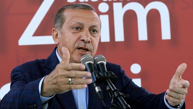 """Erdogan haalt weer hard uit naar Duitsland: """"Leg rekenschap af voor Holocaust"""""""