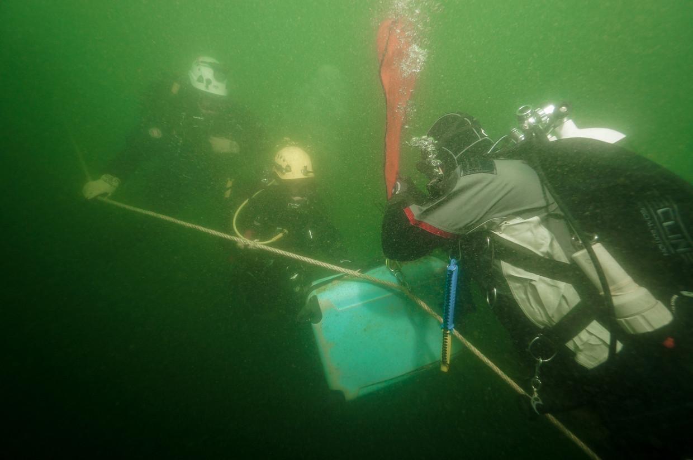 Tijdens 14 expedities zijn in totaal 6700 duiken op 160 wrakken gemaakt.