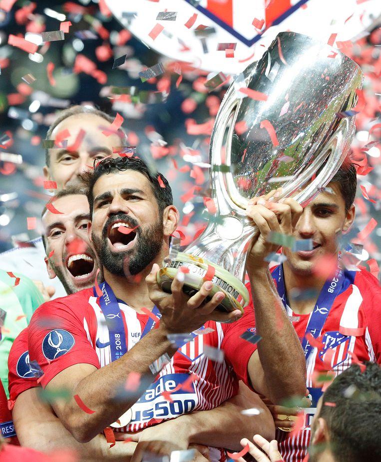 Diego Costa door het dolle heen met de Europese Supercup.