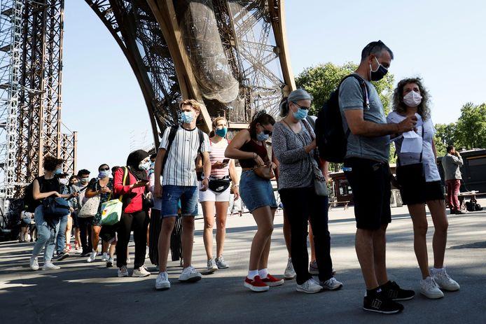 Op 25 juni ging de Eiffeltoren ook al eens gedeeltelijk open.