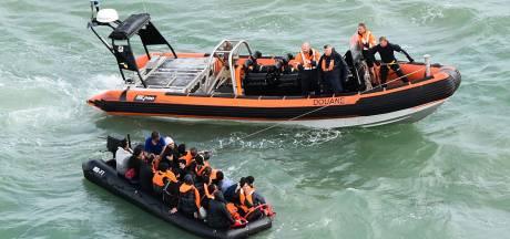 Veerboot redt zwemmende migrant van verdrinkingsdood in Kanaal