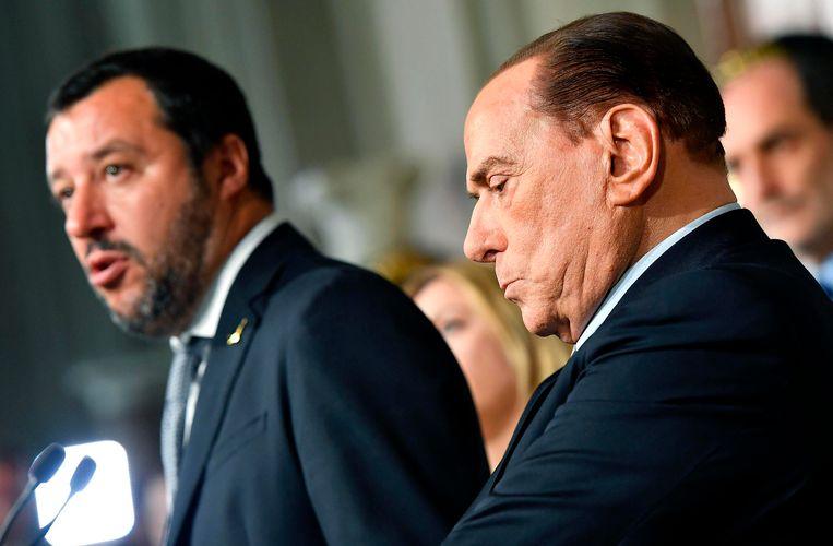 Matteo Salvini (links), partijleider van La Lega, met naast hem ex-premier Silvio Berlusconi van Forza Italia.