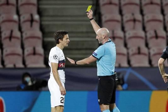 Lasse Vibe ontving een gele kaart. In de slotfase probeerde hij een penalty te versieren.