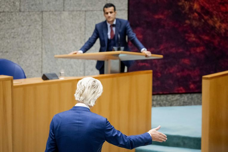 Farid Azarkan (Denk) en Geert Wilders (PVV) tijdens het debat over de moord op de Franse leraar Samuel Paty. Beeld Sem van der Wal/ANP