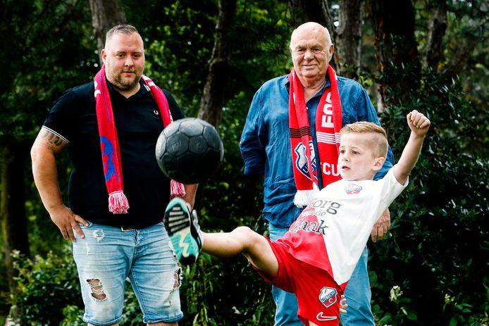 Hans, Remco en Sammy Kraak. Opa, vader en zoon. Drie generaties FC-Utrecht Supporters.