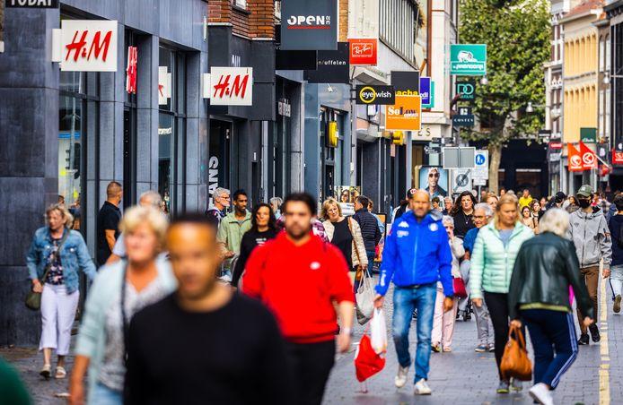 De Ginnekenstraat, een van de veel bezochte winkelstraten in Breda.