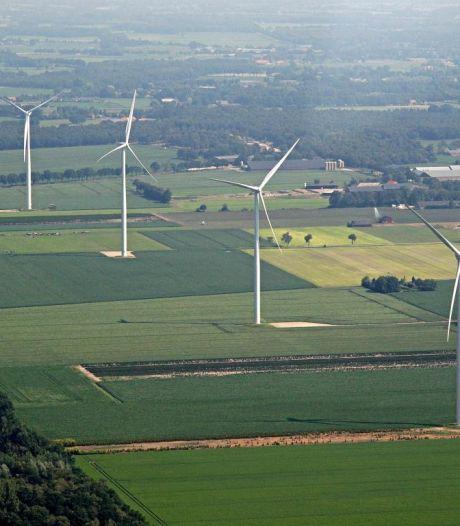 Reuselnaren: 'Trek vergunningen windmolens in'