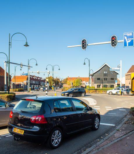 Bewoners willen oplossing voor verkeersdrukte Oosterhout: 'Waar moeten al die auto's heen?'
