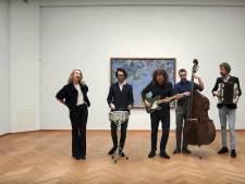 'Wat voor weer zou het zijn in Den Haag': Bijna 45 jaar later krijgt nummer Franse uitvoering