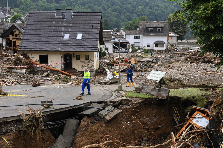 In de zwaar getroffen Duitse plaats Schuld zijn huizen verwoest door het hoge water. Beeld AFP