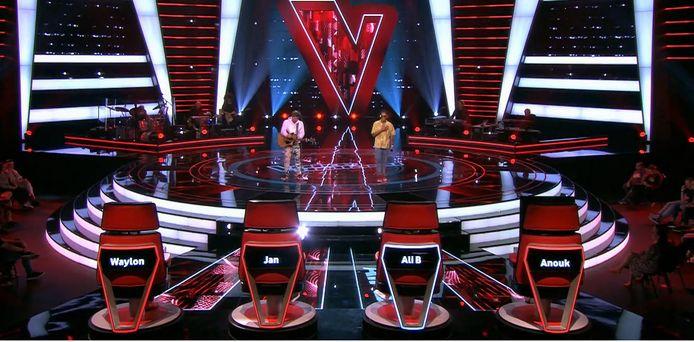 Effrens en Hessel du Mark tijdens de Blind Auditions in The Voice.