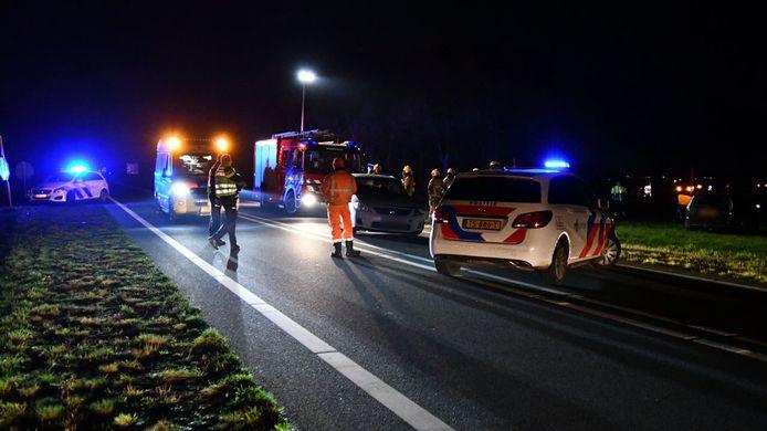 Twee auto's kwamen dinsdagavond met elkaar in botsing op de N36.