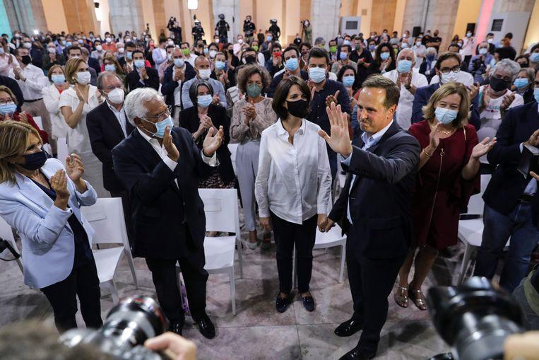 Fernando Medina, de zittende PS-burgemeester van Lissabon, ging af met nog geen 32 procent van de stemmen, 'een persoonlijke nederlaag'. Beeld EPA