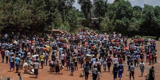 Voor landen met weinig geld is het kiezen tussen corona en honger