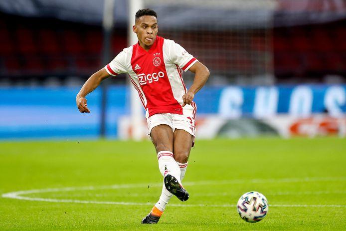 Jurriën Timber speelde dit seizoen al 16 duels in de hoofdmacht van Ajax.
