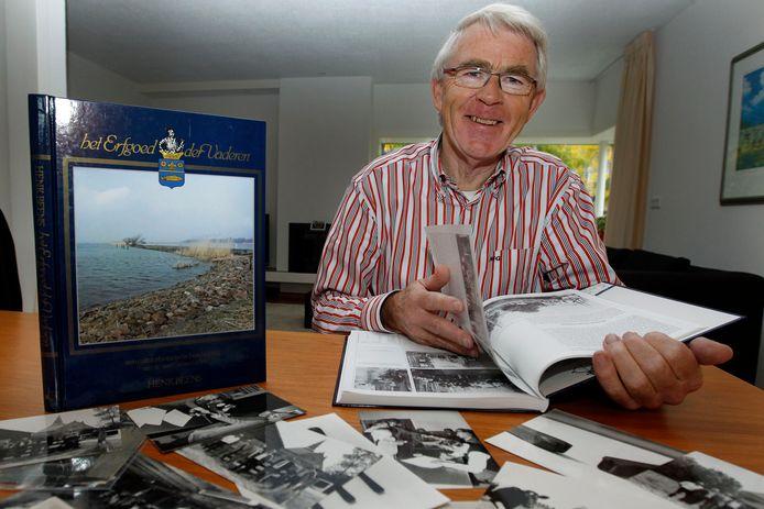 Amateurhistoricus Henk Beens heeft al vele boeken geschreven over de geschiedenis van Genemuiden.