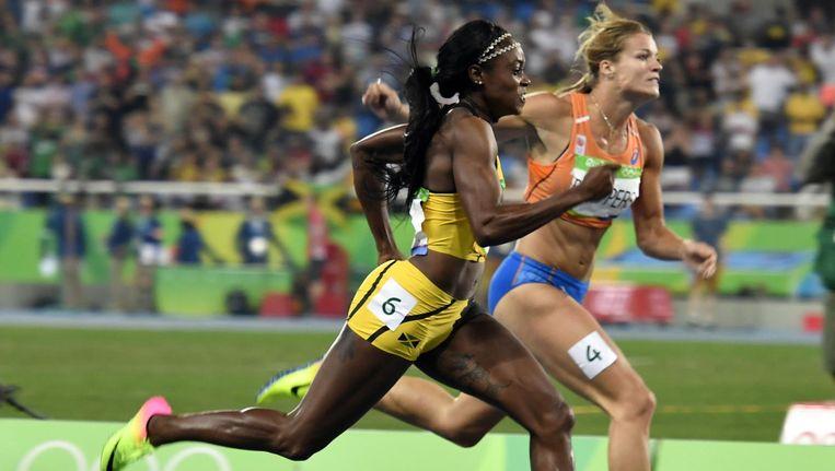 Thompson (L) wint van Schippers op de 200 meter. Beeld afp