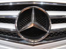 'Asociale weggebruiker rijdt in Mercedes en is 40+'