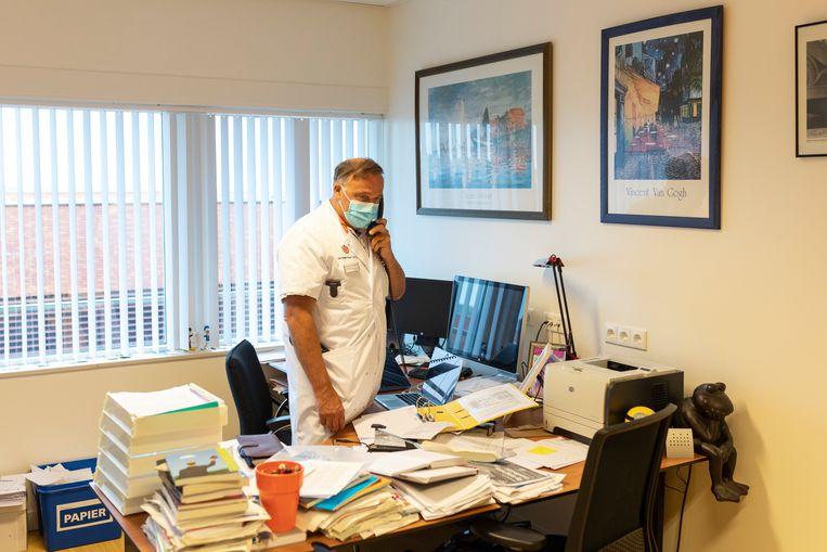 Armand Girbes op zijn kantoor. Beeld Marc Driessen