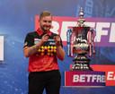 Dimitri Van den Bergh kan zijn geluk niet op nadat hij als eerste Belg een major heeft gewonnen.